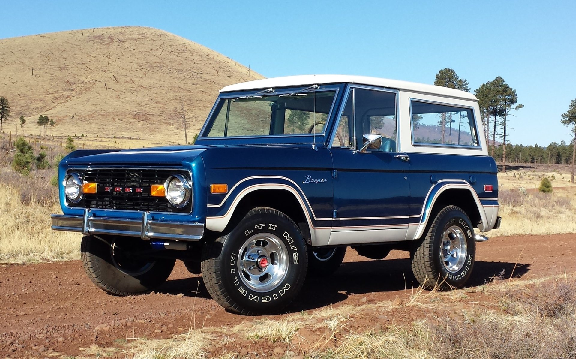 Vern and Trish's 1972 Ford Bronco